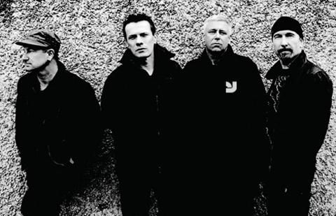 U2 hires YouWorkForThem for live concert visuals...